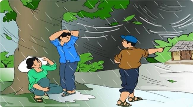 Khi trời mưa giông, cần nhanh chóng tìm nơi trú ẩn