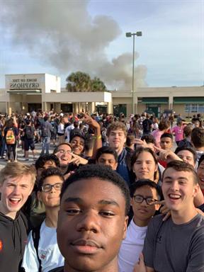Cảnh tượng học sinh hoảng loạn khi cháy trường