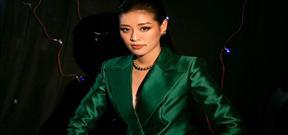 Hoa hậu Khánh Vân cá tính khi diện vest xanh